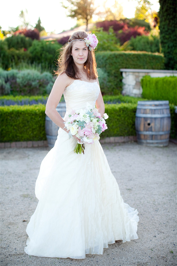 blush and cream bouquet by Anastasia Ehlers | photo by Erika Nicole