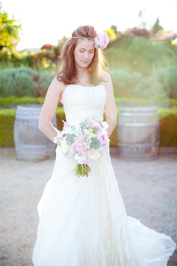 blush bouquet with succulents by Anastasia Ehlers | photo by Erika Nicole