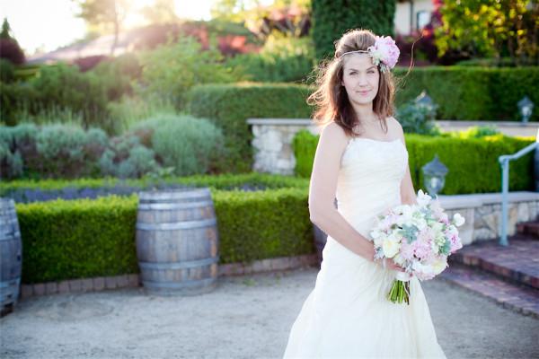 winery wedding flowers by Anastasia Ehlers | photo by Erika Nicole