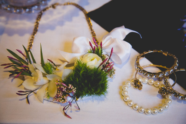 green and white floral necklace by Anastasia Ehlers | photo by Cat Dossett