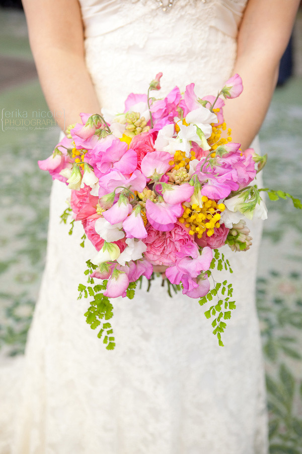 sweet pea bouquet by Anastasia Ehlers | photo by Erika Nicole