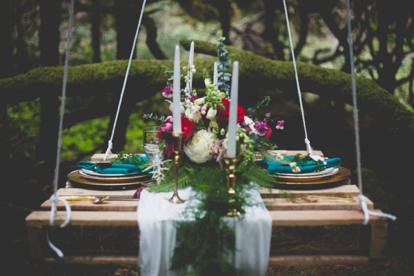 hanging palette table styled by Event Crush | flowers by Anastasia Floral | photo by Cat Dossett