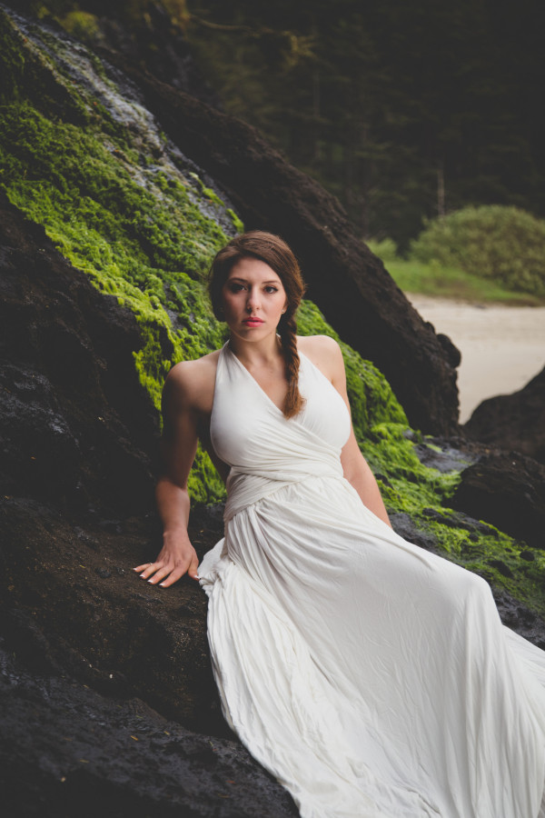 Oregon coast wedding inspiration | photo by Cat Dossett